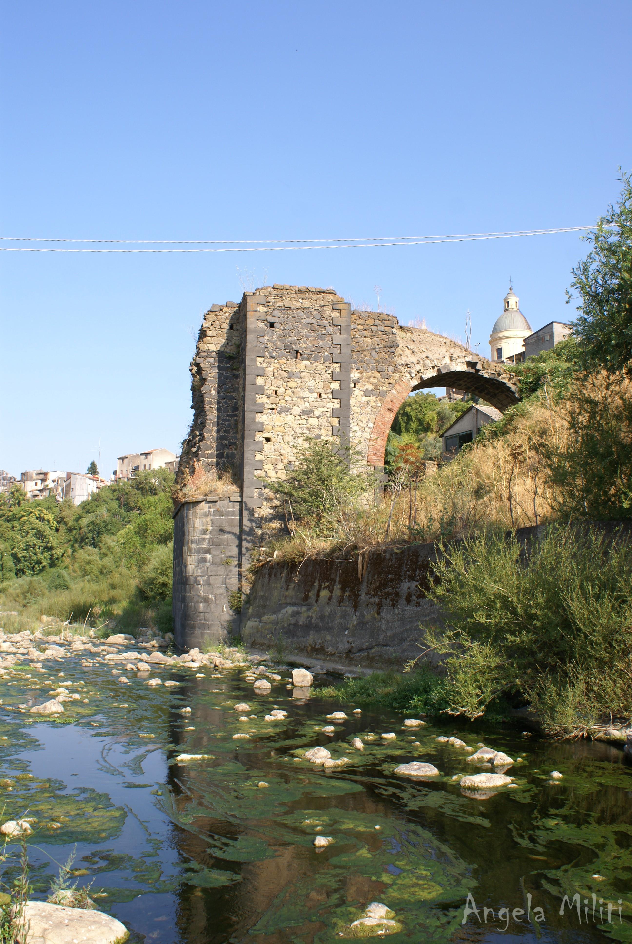 Vecchio ponte sull'Alcantara